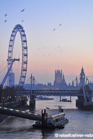 Набережная темзы вид на лондонский